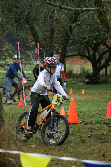 farm_fresh_bike_scramble_riders2_sm